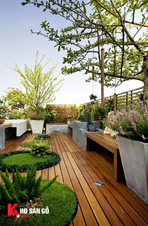 Sân thượng kết hợp trồng cả cỏ, dây leo và chậu cây