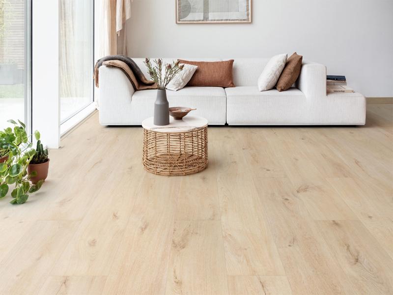Sàn nhựa hèm khóa vân gỗ tự nhiên sang trọng hiện đại.