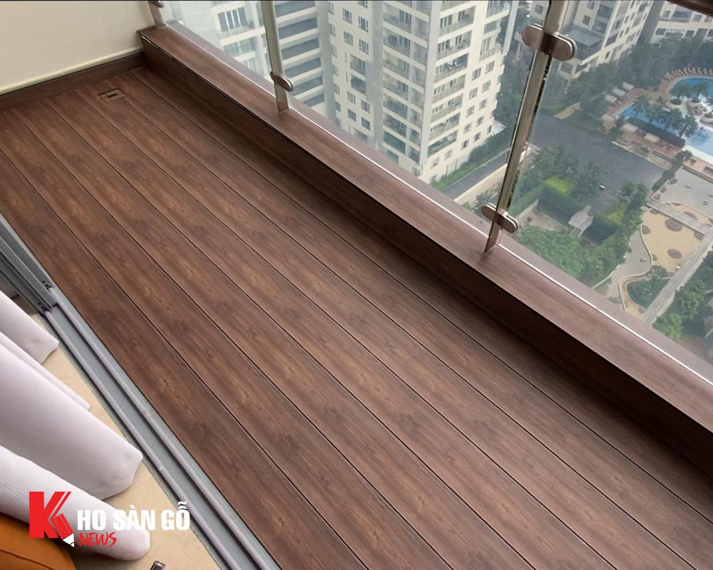 Chọn sàn gỗ Ultra Awood cho hành lang và sân vườn hiện đại.