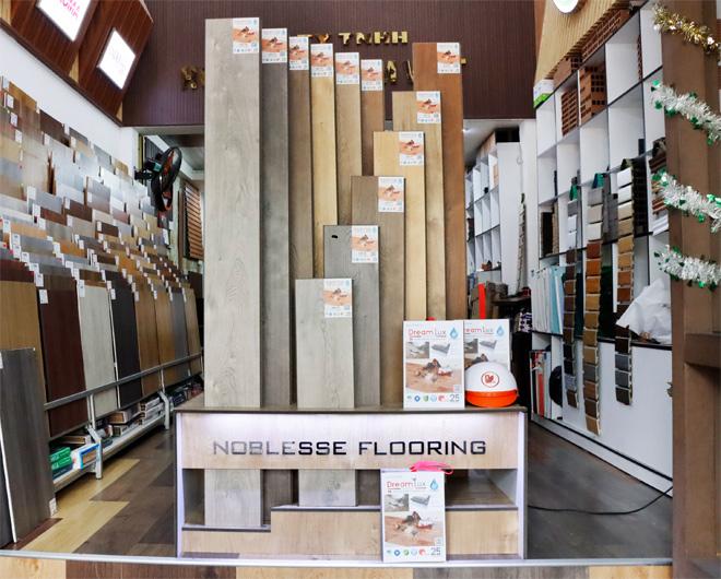 Sàn gỗ cốt đen dày 12mm là sàn gỗ cao cấp chất lượng nhất hiện tại.