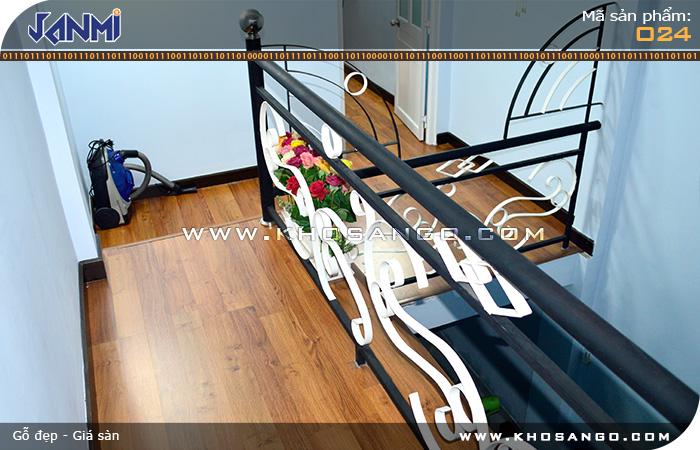 Sàn gỗ JANMI O24 - Lót sàn gỗ  hành lang