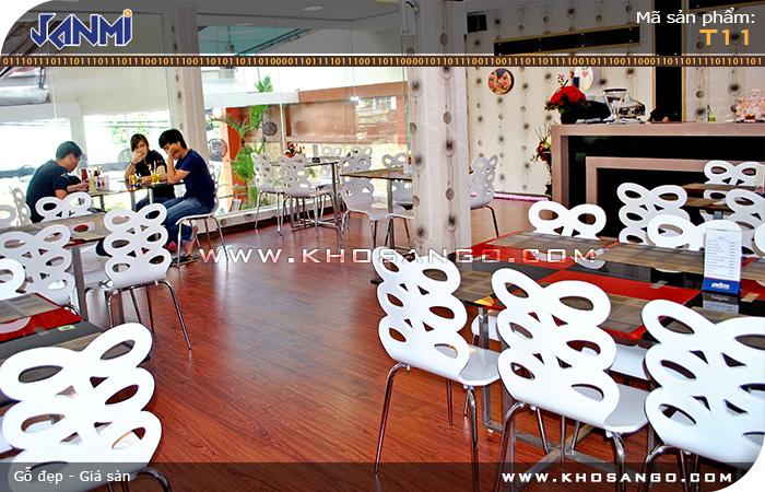 Sàn gỗ JANMI T11- Lót sàn gỗ nhà hàng