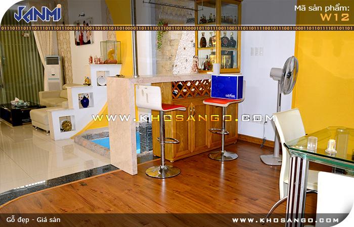 Sàn gỗ JANMI W12 - Lót sàn gỗ cho khu vực mini bar nhà ở gia đình