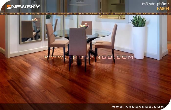 Sàn gỗ công nghiệp Newsky EA 801 lót sàn phòng khách