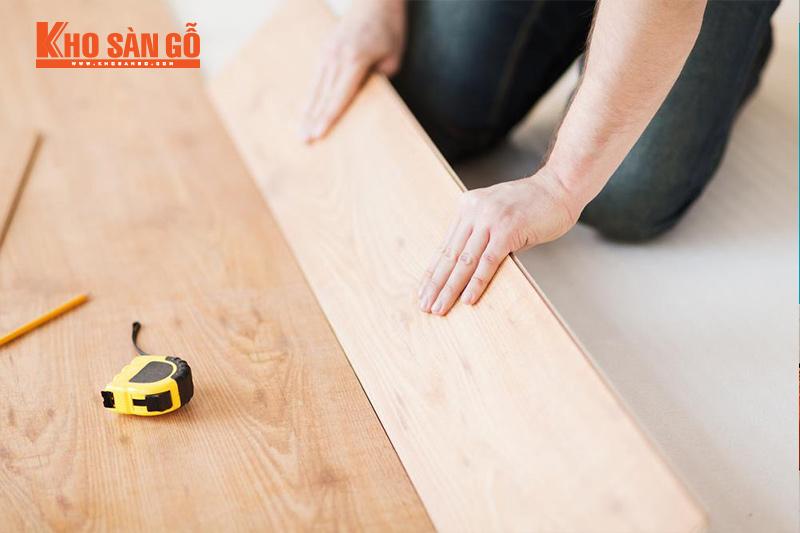 lắp đặt sàn gỗ nhanh chóng đúng kỹ thuật