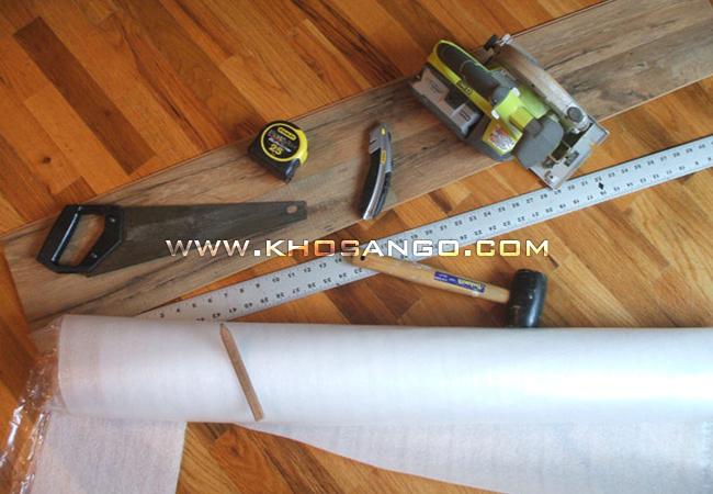 chuẩn bị lắp sàn gỗ