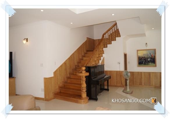 Lamri gỗ ốp tường cho phòng khách