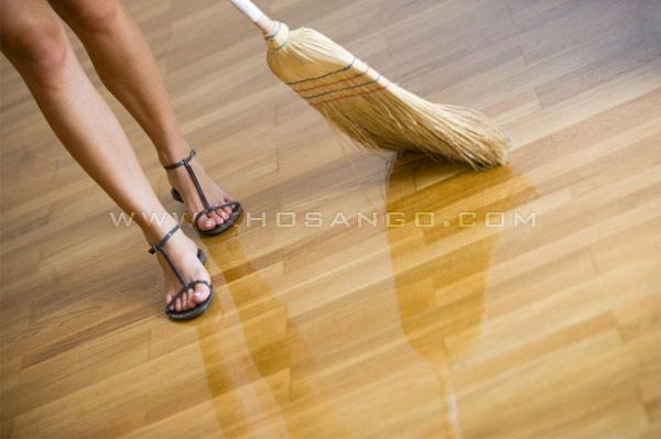 Vệ sinh sàn gỗ công nghiệp