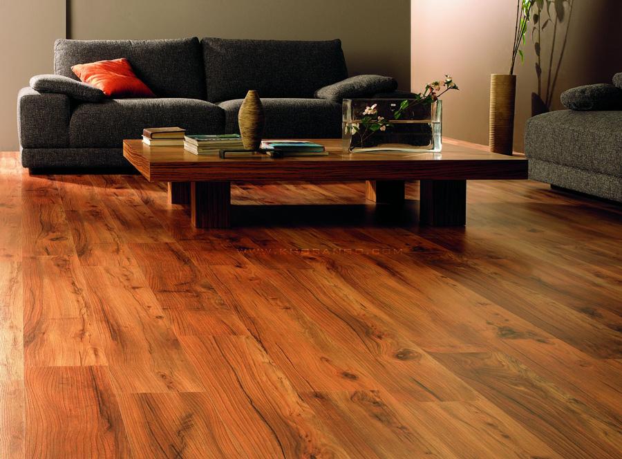 Sự kết hợp hài hòa giữa sàn gỗ và kiến trúc mang đến một không gian đẹp.